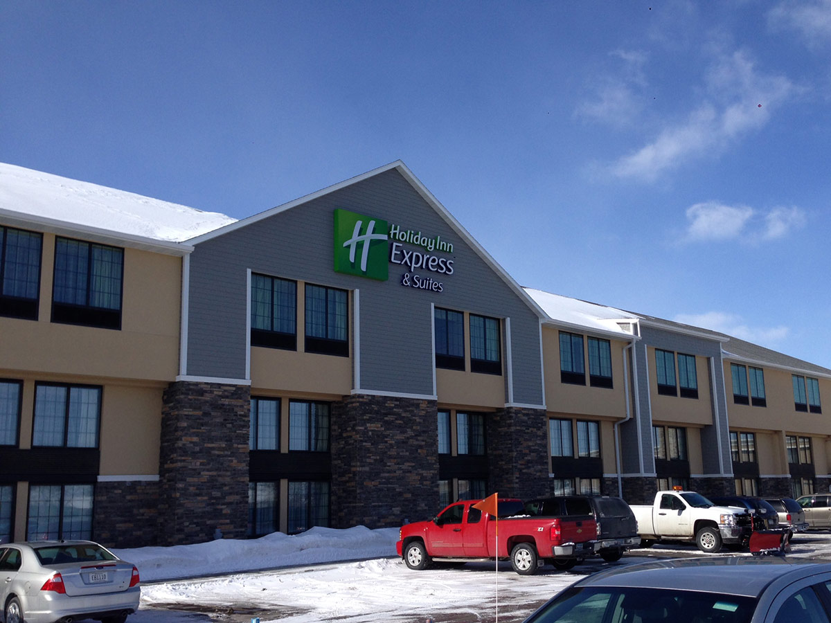 Lodging at Holiday Inn Express in Willmar, MN
